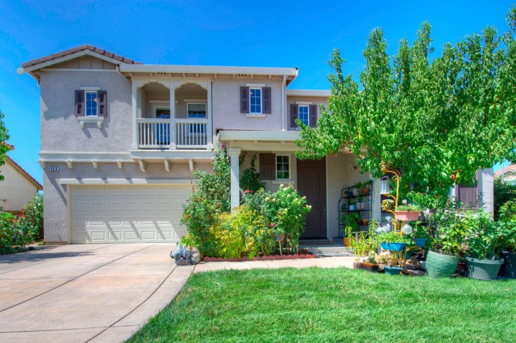 Photo of 348 Frisbie Circle  Vacaville  CA