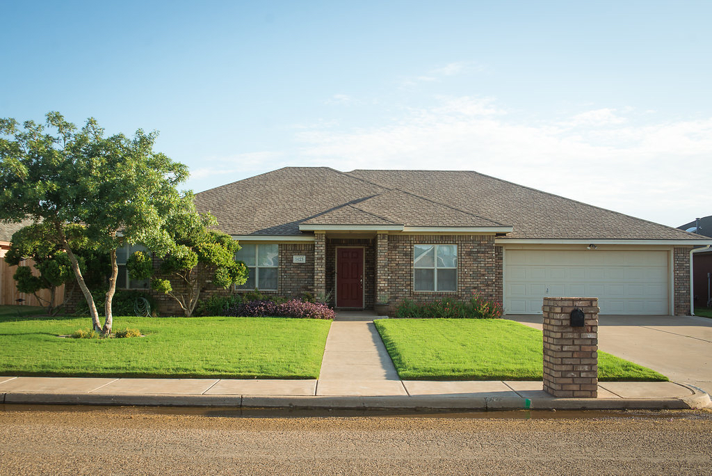 Photo of 1423 10th  Shallowater  TX