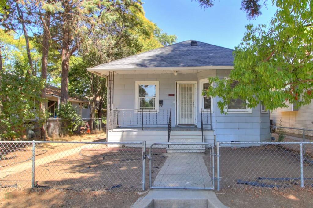 Photo of 3817 1st Avenue  Sacramento  CA
