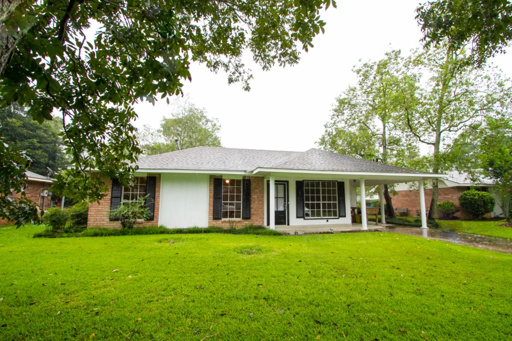 Photo of 2080 Elmer Street  Denham Springs  LA