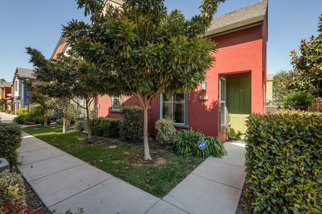 Photo of 828 Copper Lane  West Sacramento  CA