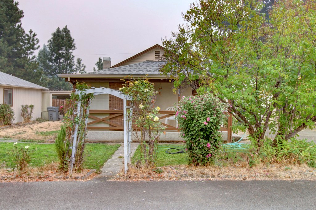 Photo of 1551 Apple Ln  Grants Pass  OR