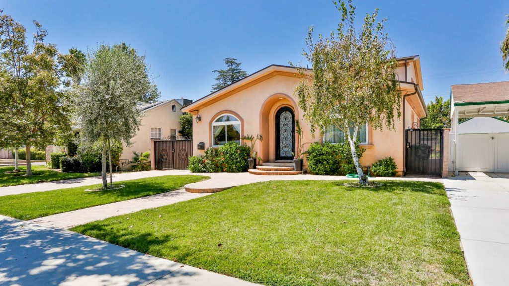 Photo of 5407 Noble Ave  Sherman Oaks  CA