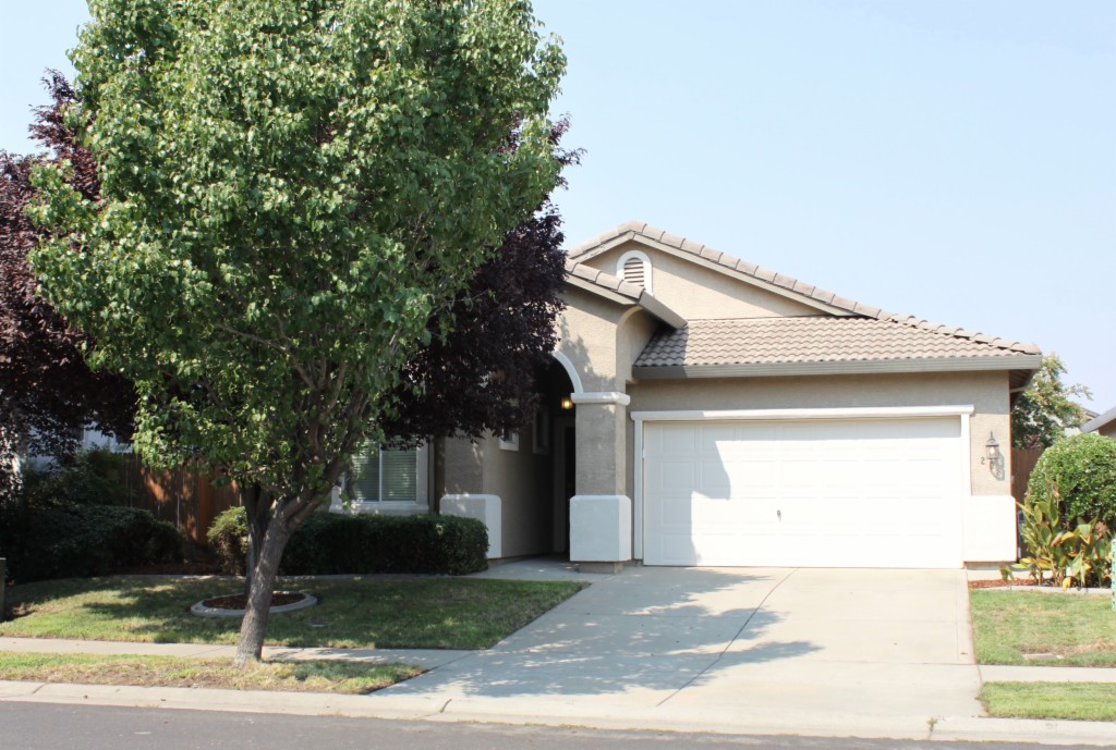Photo of 208 Warm Springs  Roseville  CA