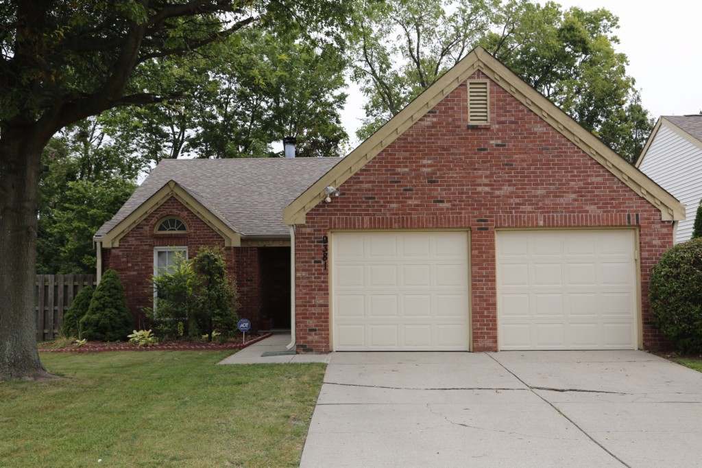 Photo of 9381 Colony Pointe Dr E  Indinapolis  IN