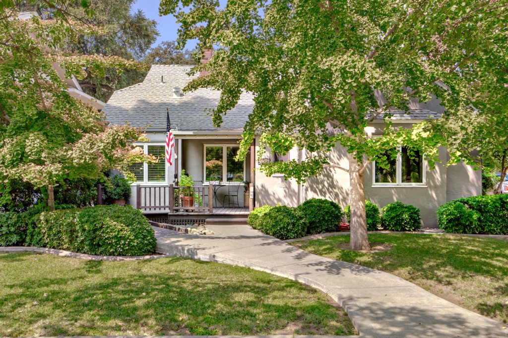 Photo of 604 Cleveland Street  Woodland  CA