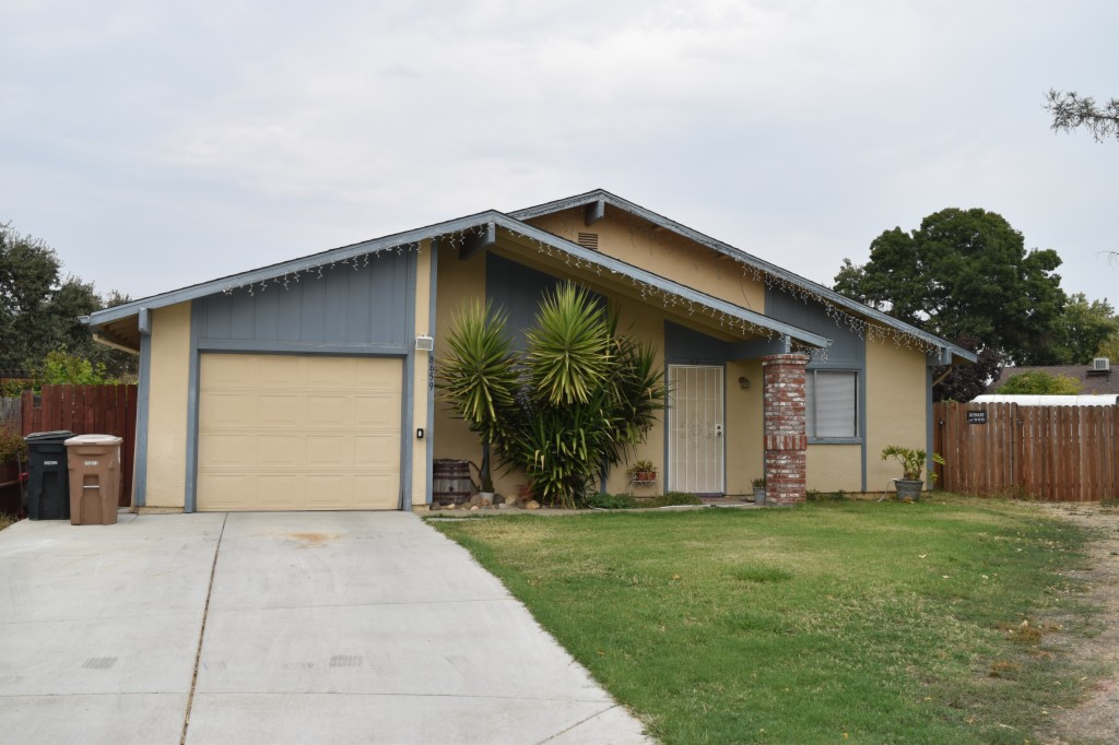 Photo of 8659 Wren Circle  Elk Grove  CA