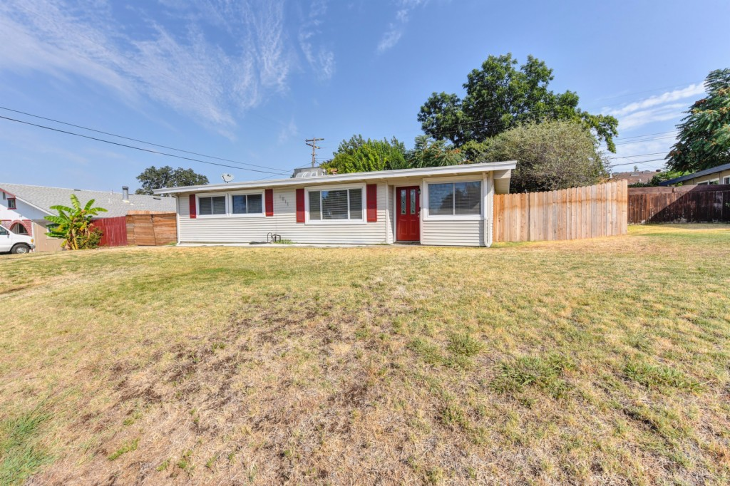 Photo of 1011 Sunset Drive  Roseville  CA