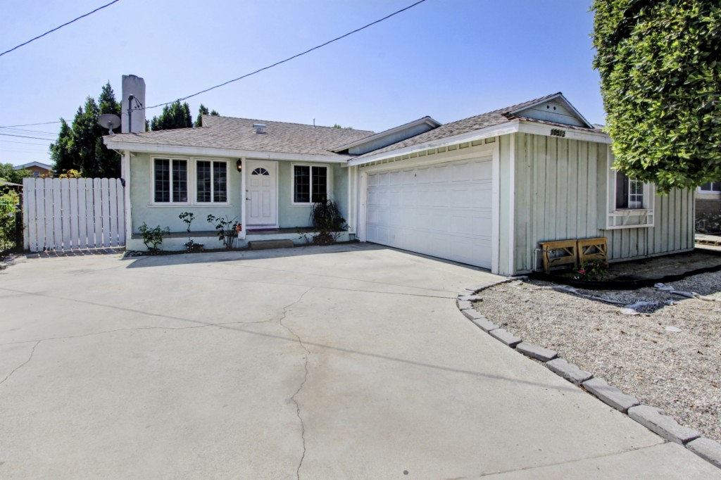 Photo of 10512 Roscoe Blvd  Sun Valley  CA