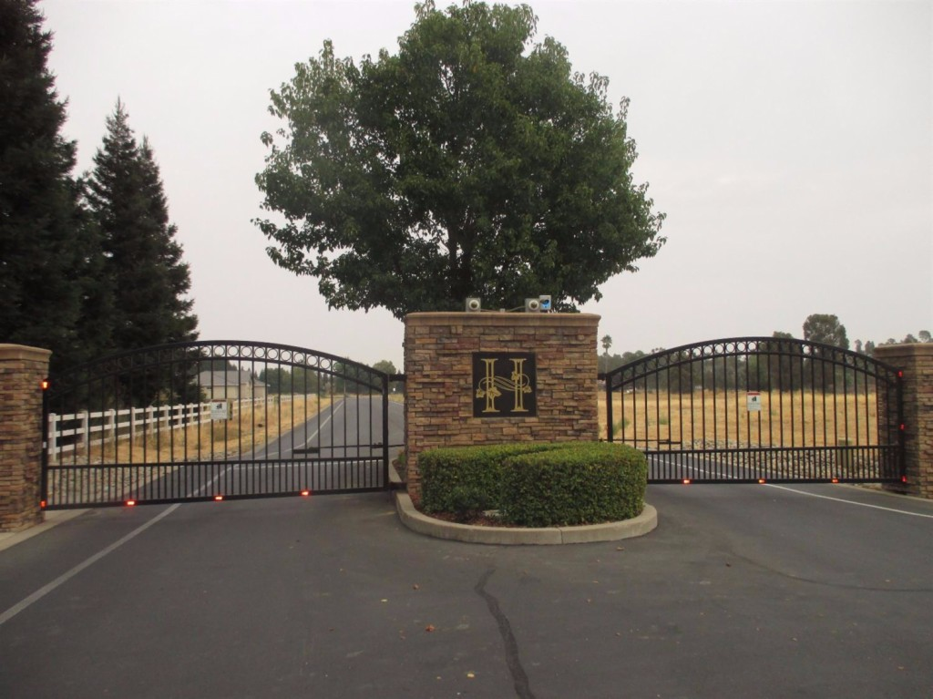 Photo of 9348 secretariat ln  elk grove  CA