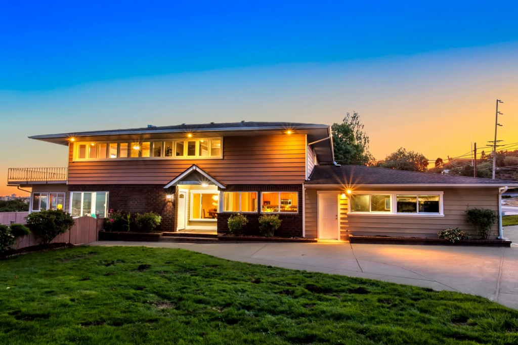 Photo of 1232 Browns Point Boulevard  Tacoma  WA