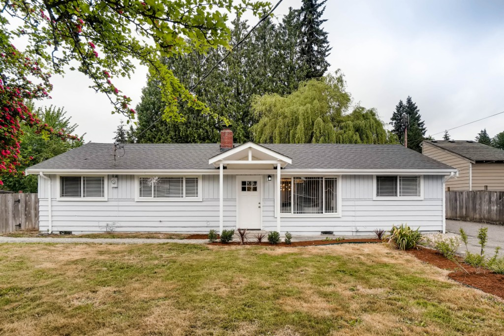 Photo of 415 216th St SW  Bothell  WA