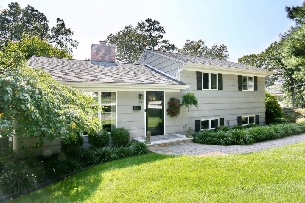 Photo of 24 Busteed Drive  Midland Park  NJ