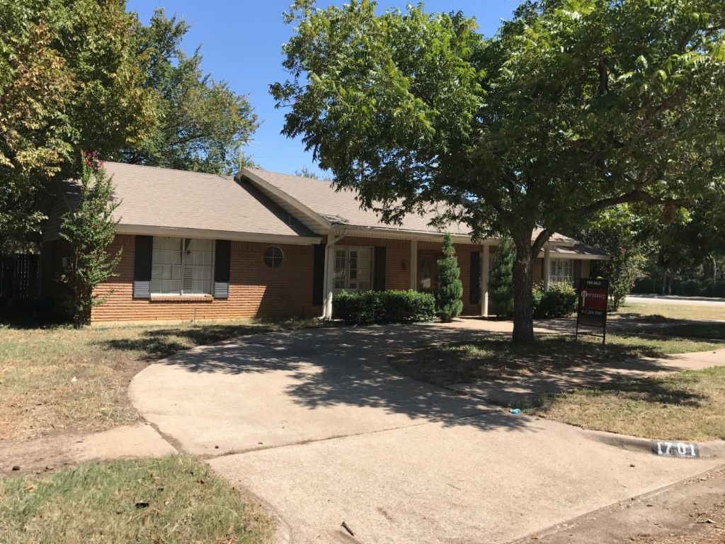 Photo of 1701 Parkhill Drive  Arlington  TX