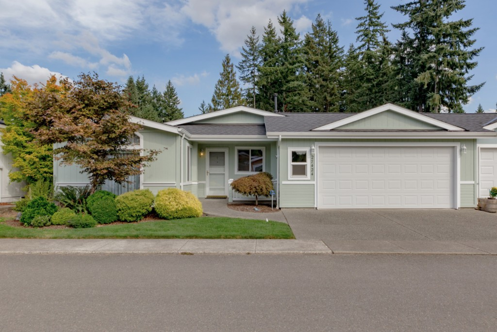 Photo of 27424 219th Place SE  Maple Valley  WA