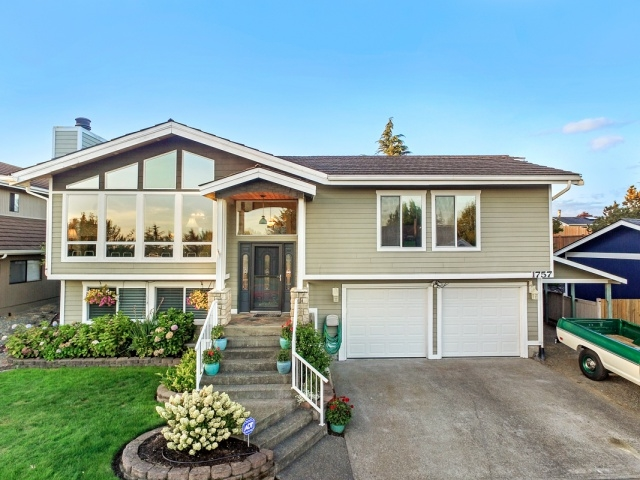 Photo of 1757 57th St NE  Tacoma  WA