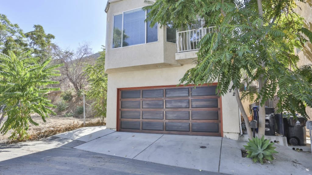 Photo of 7422 Valaho Ln  Tujunga  CA