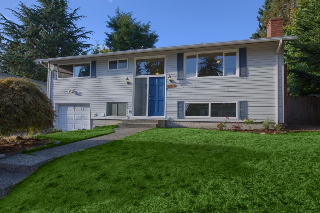 Photo of 12430 SE 160th ST  Renton  WA