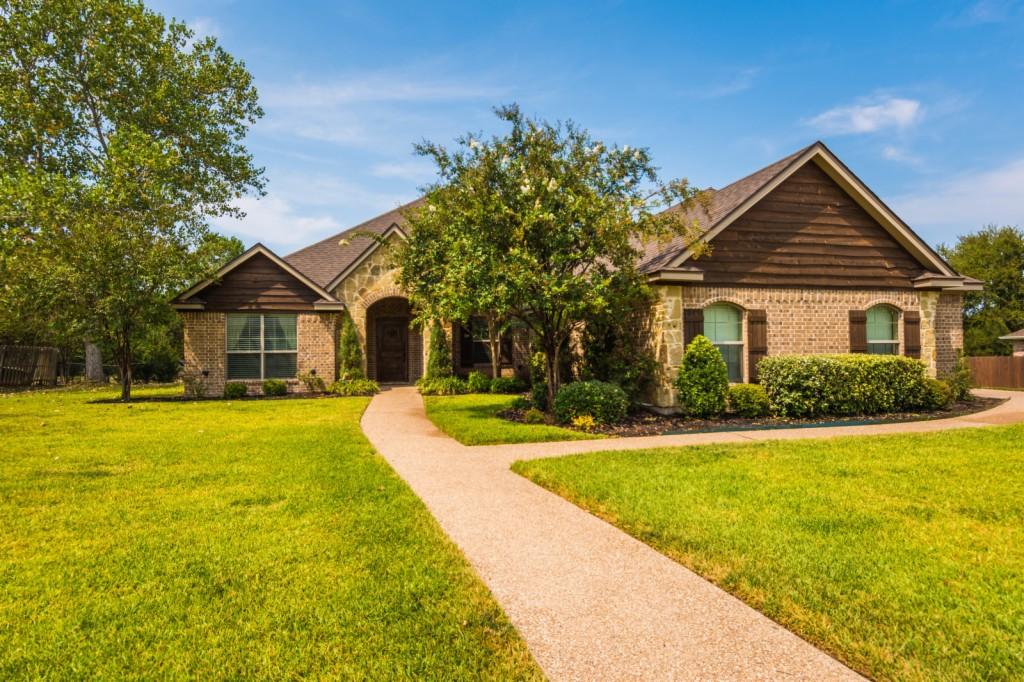 Photo of 107 Laurel Oaks Lane  Crawford  TX