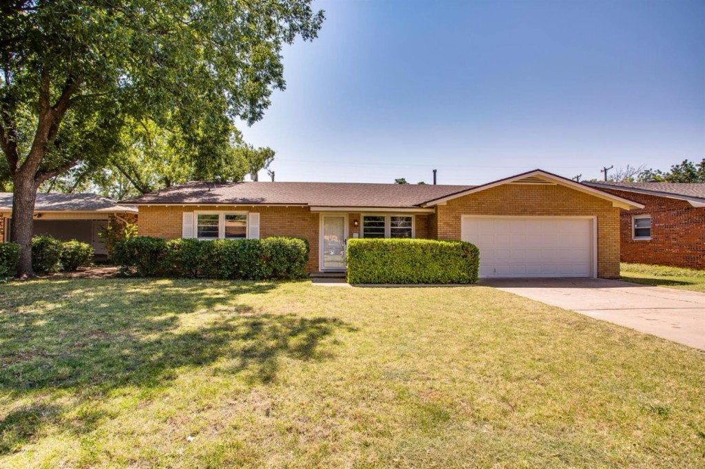 Photo of 3805 48th St  Lubbock  TX