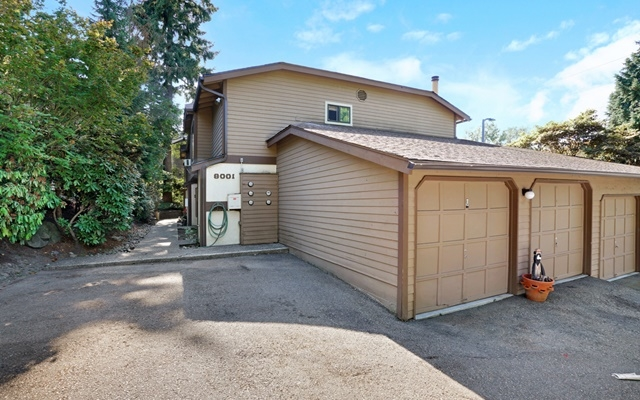 Photo of 8001 NE 177th Ct  Kenmore  WA