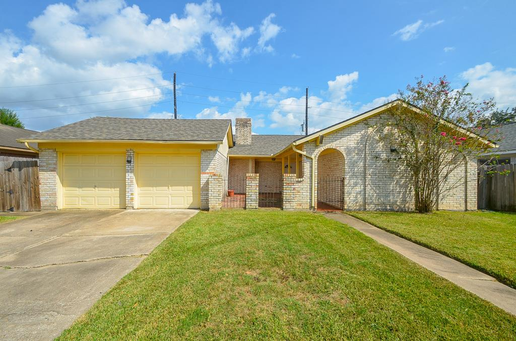 Photo of 11815 Bloomington Lane  Meadows Place  TX