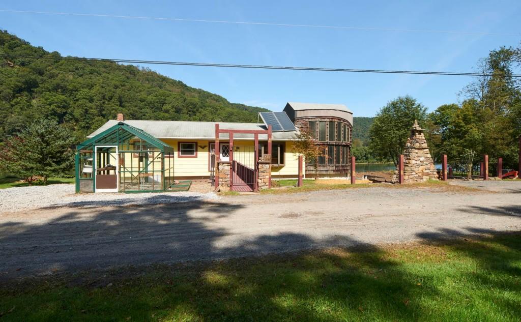Photo of 169 Gwynned Wynd  Mill Hall  PA