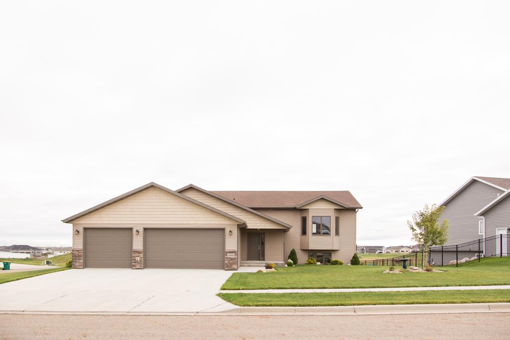 4909 Pumice Loop, Bismarck, North Dakota
