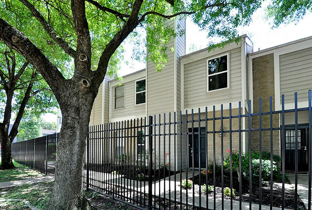 Photo of 11710 W Southlake Drive  Houston  TX