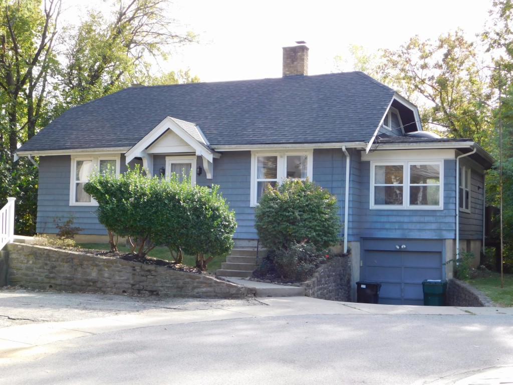 Single Story property for sale at 1120 Inglenook Place, Hyde Park Ohio 45208