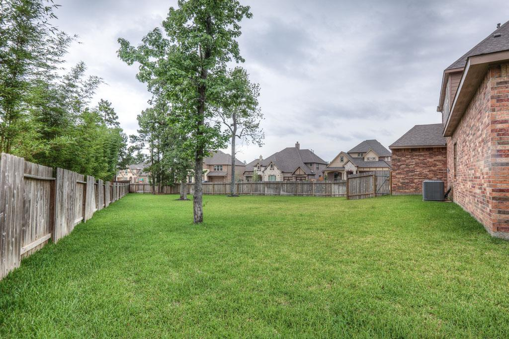 910 Hunter Ridge Ct Conroe, TX