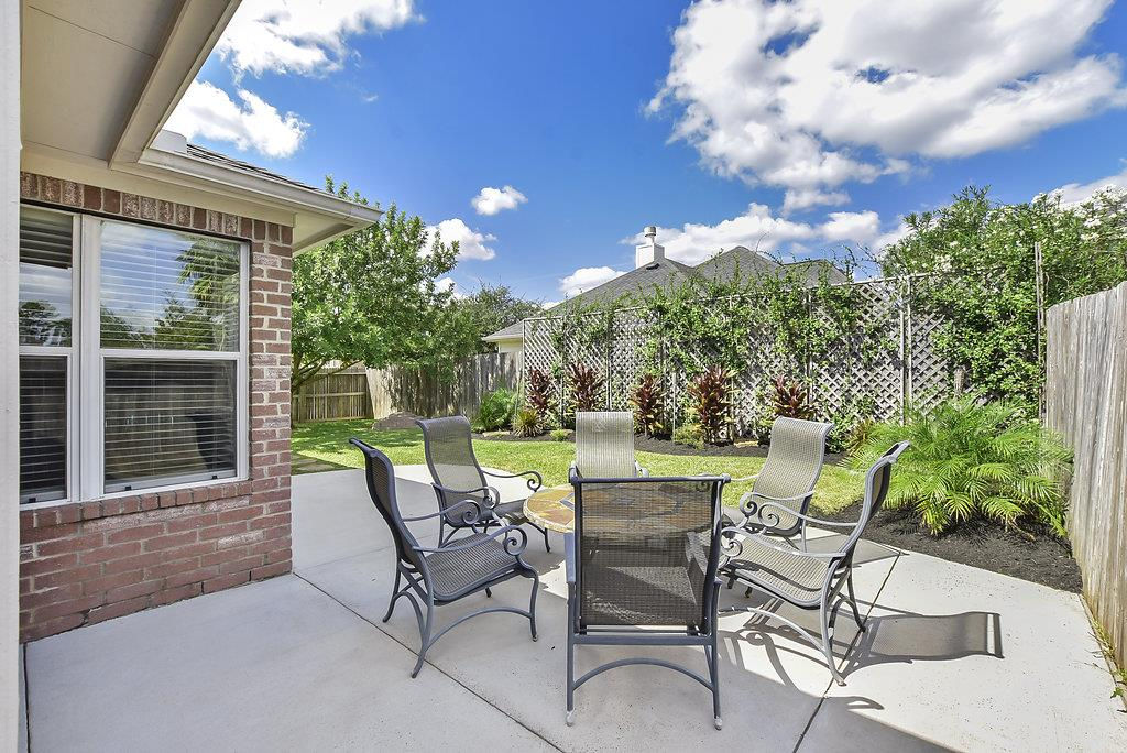 8822 Rollick Dr Tomball, TX