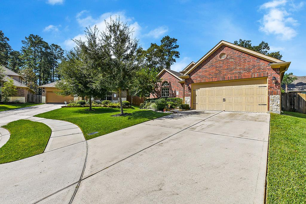 1074 Forest Haven Ct Conroe, TX
