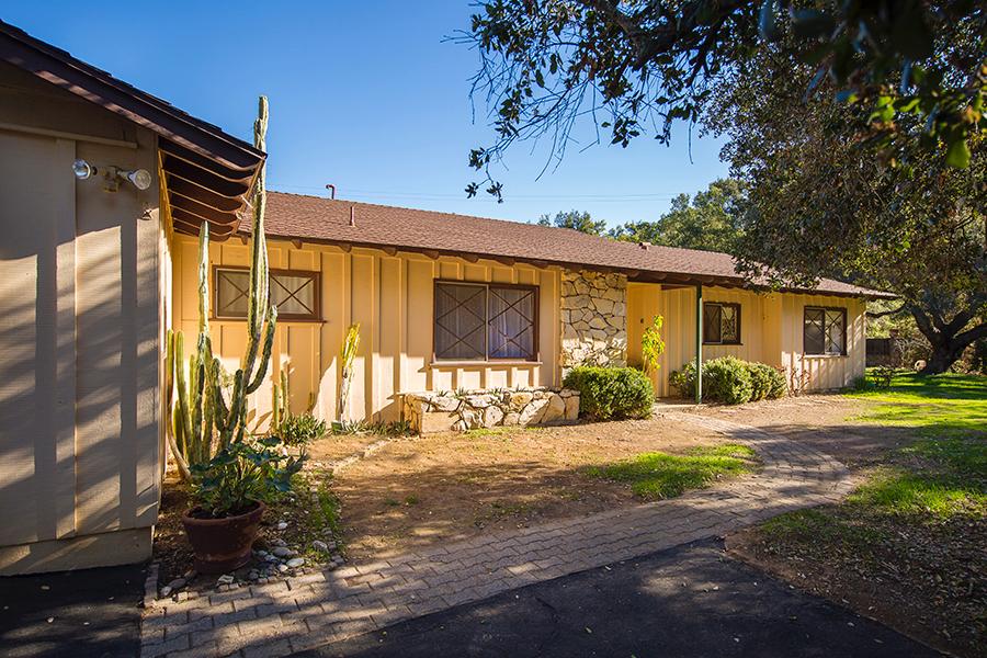 2153 Valley Meadow Dr Oak View, CA 93022