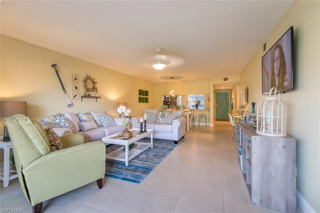6985 Dennis Cir #H-104, Naples, Florida