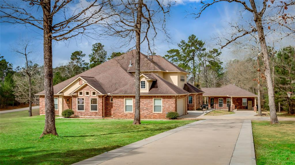 8995 Forest Lake Drive, Montgomery, Texas