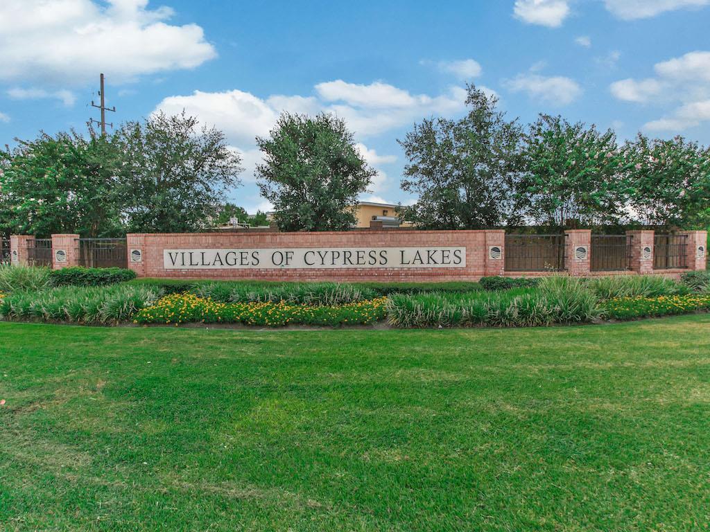 18738 Fairmont Springs Court, Cypress, Texas