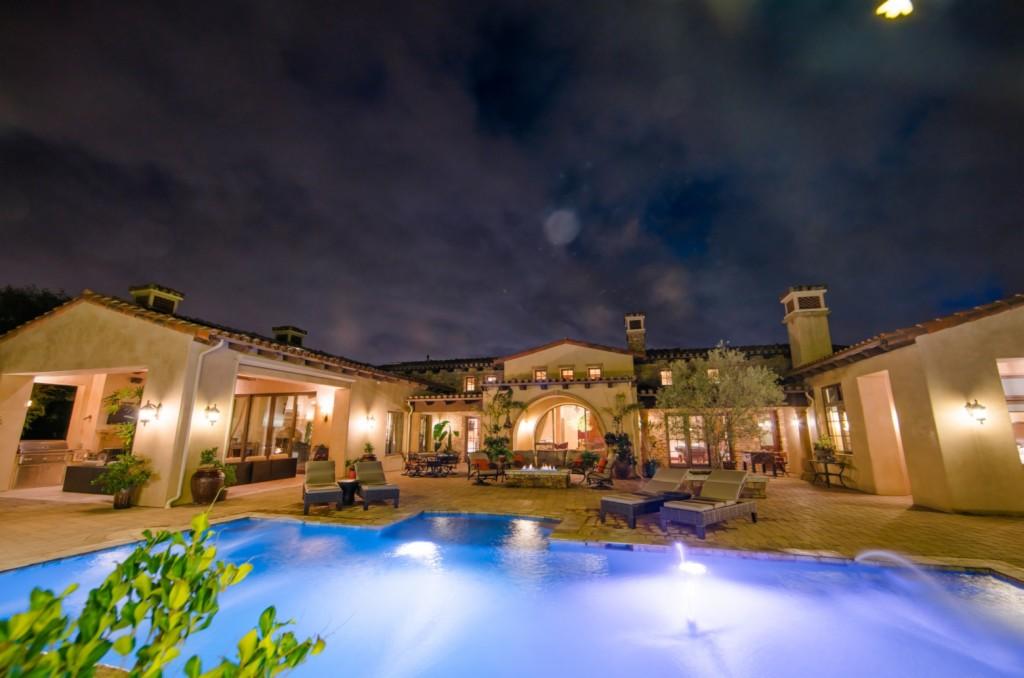 7640 Iluminado San Diego, CA 92127