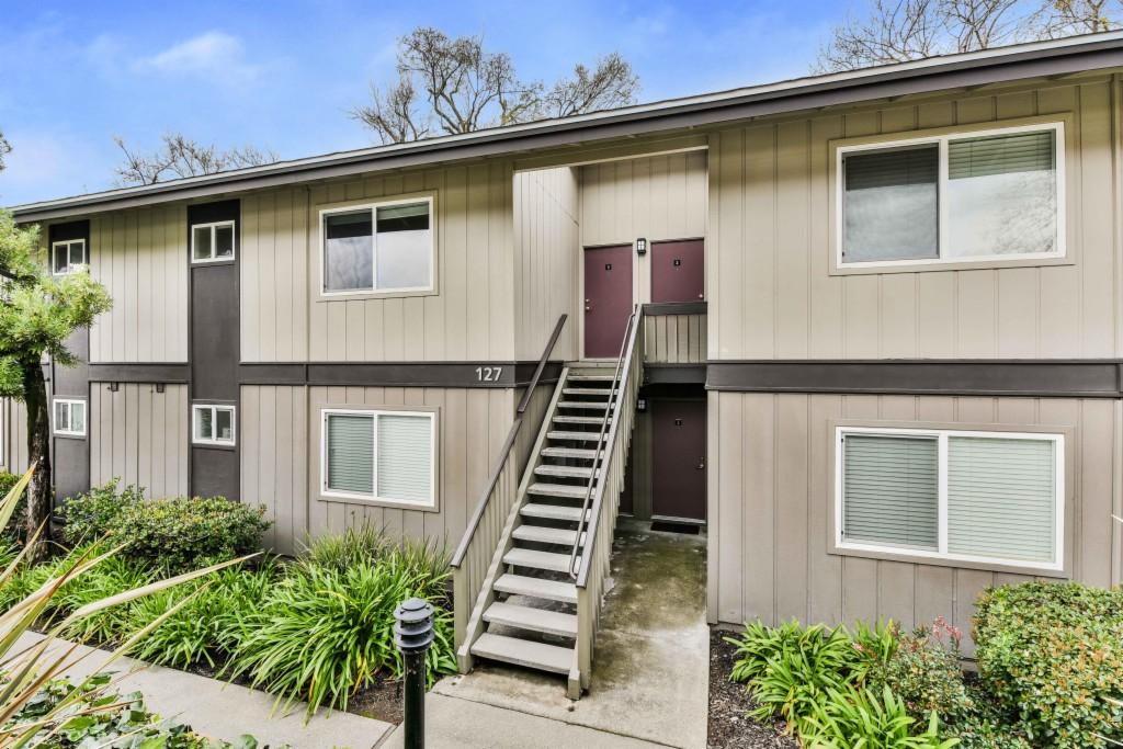 One of Rossmoor - Walnut Creek 1 Bedroom Homes for Sale at 127 Player 3