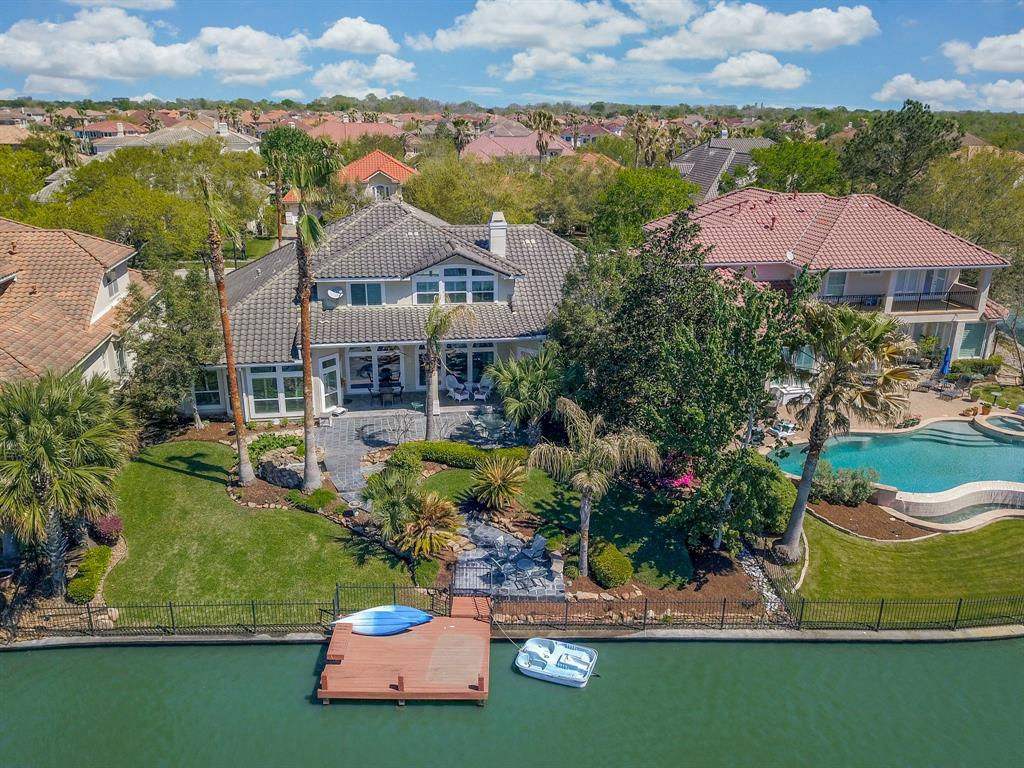 19015 Lakeside Cove Houston, TX 77094