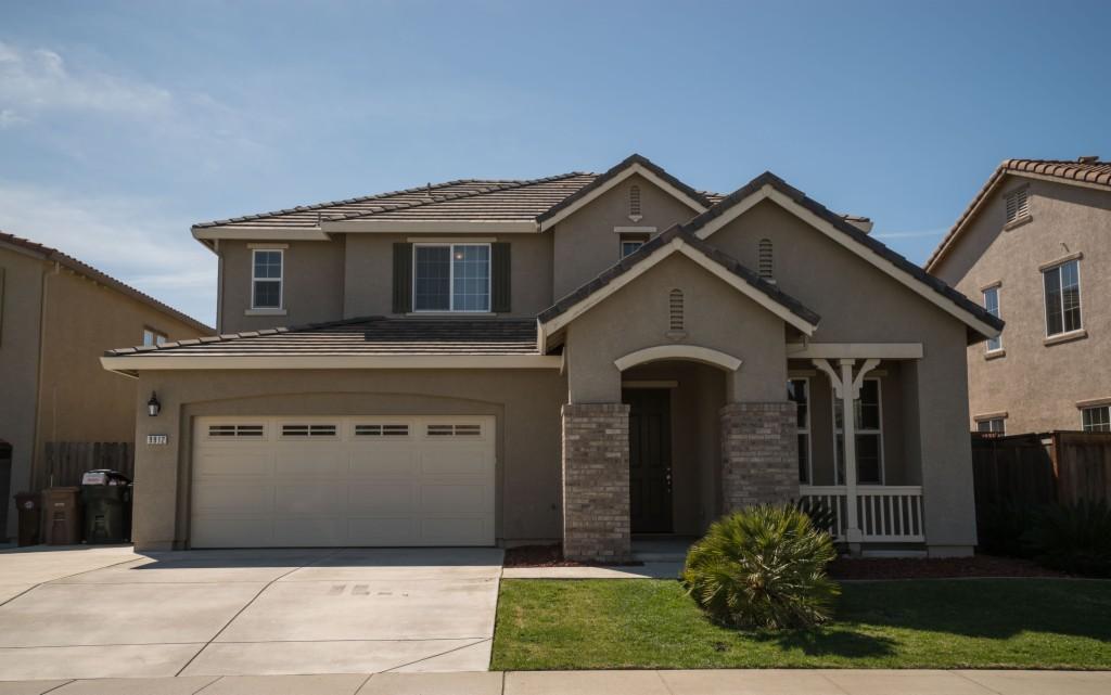 9912 Winkle Cir Elk Grove, CA 95757