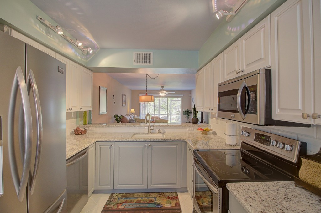 241 ROBIN HOOD CIR 102, Naples, Florida