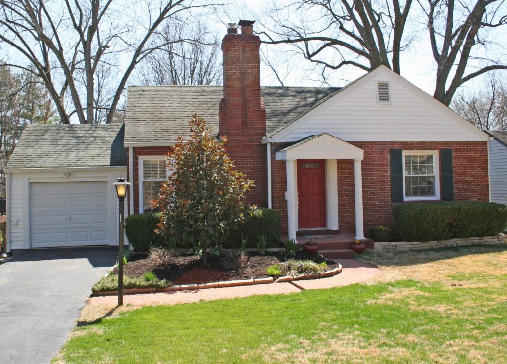 150 w Old Watson, Webster Groves, Missouri