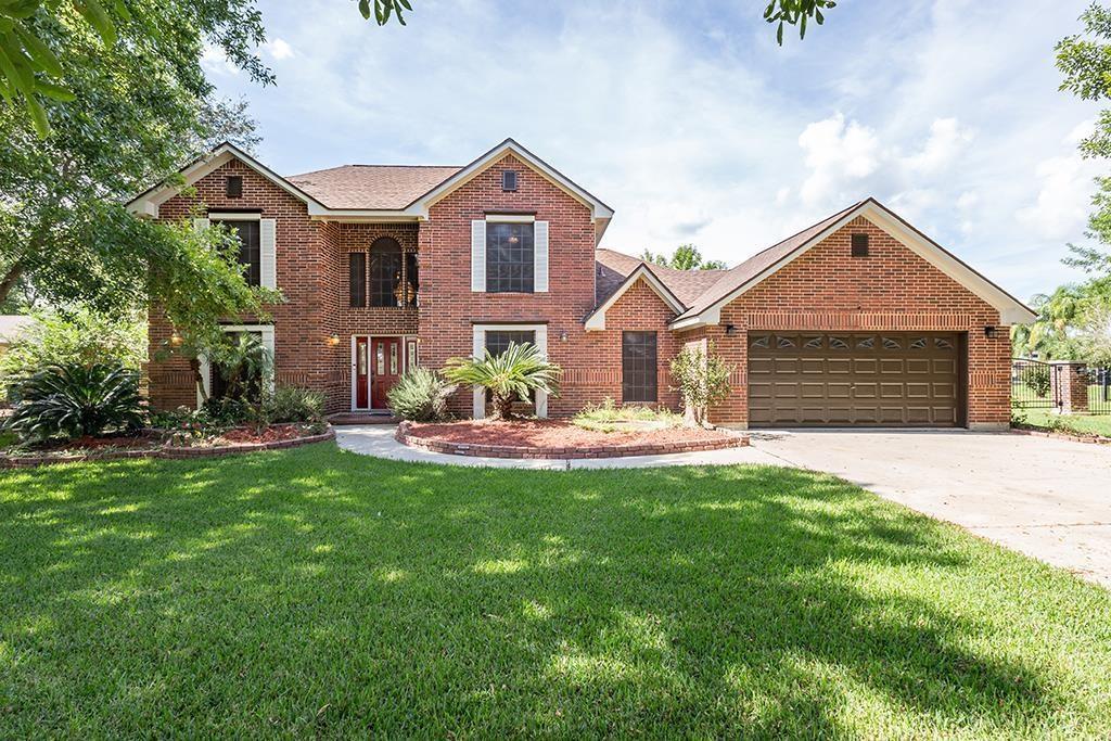 1374 County Road 634 Alvin, TX 77511