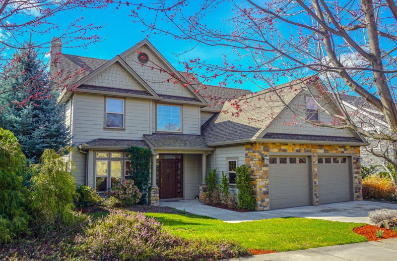 3904 Crystal Springs Drive, Medford, Oregon