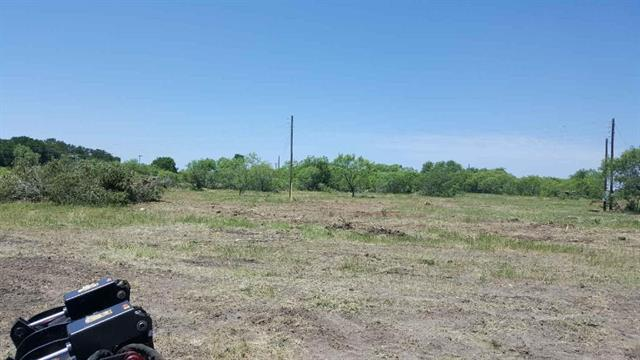 201 Cattlemens ROW Lockhart, TX 78644