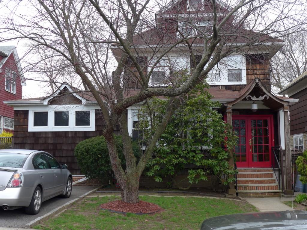 8 St. Austins Pl. Staten Island, NY 10310