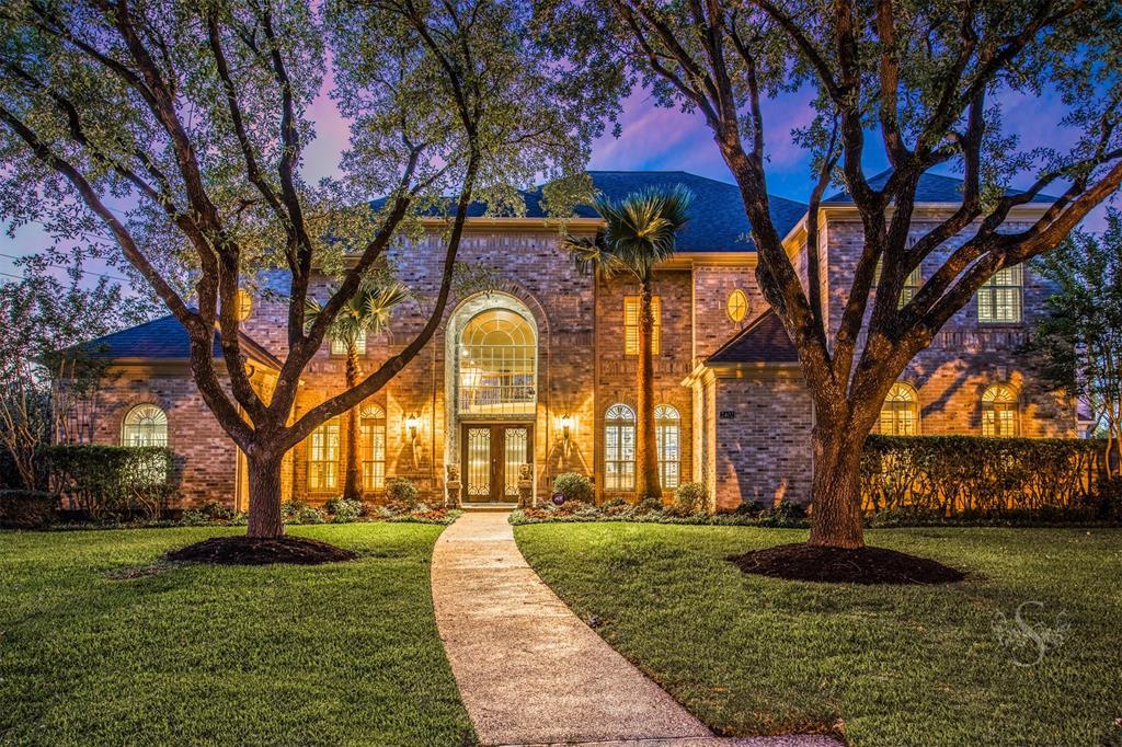 2402 Hidden Shore Drive Katy, TX 77450