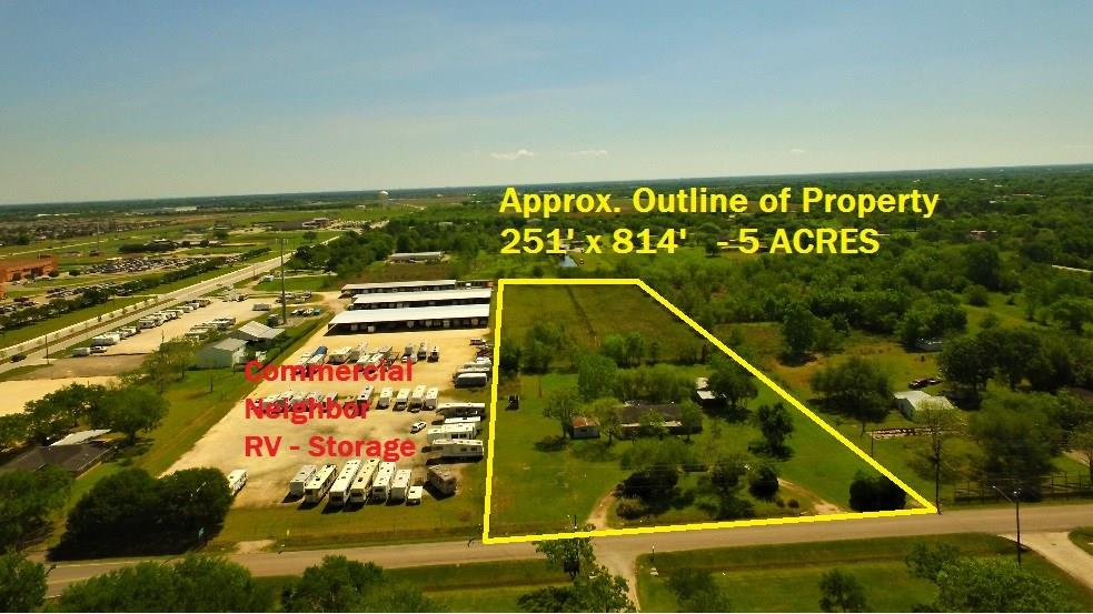 16701 County Road 104 Pearland, TX 77584