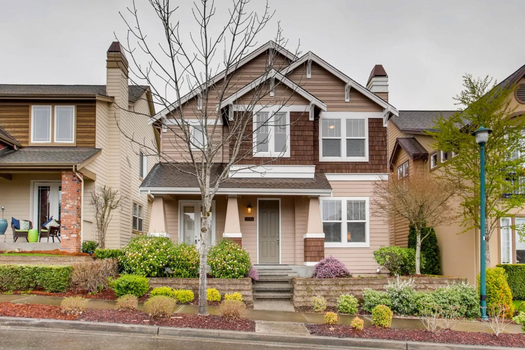 17040 Woodside Dr SE, Renton in King County, WA 98058 Home for Sale